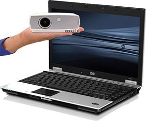подключить к ноутбуку проектор